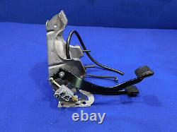 1987-1993 Ford Mustang 5 Speed Manual Pedal Box Clutch Assembly 35K Clean Y06