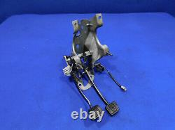 1987-1993 Ford Mustang 5 Speed Manual Pedal Box Clutch Assembly Clean Y28