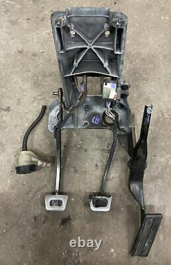 1998-2002 Dodge Ram 2500 Manual Transmission Clutch Brake Gas Pedal Assembly