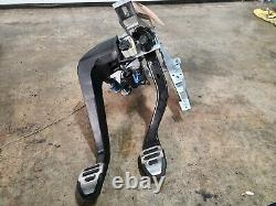 2008 Audi RS4 Quattro B7 Clutch / Brake Actuator Pedal Box Assembly OEM 1804