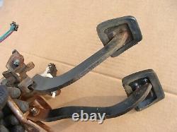 84 92 Camaro Firebird T5 5 speed hydraulic clutch brake pedals box assembly