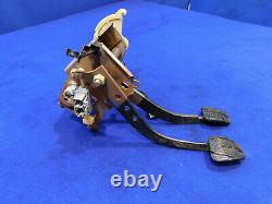94 95 Ford Mustang 5 Speed Manual Pedal Box Clutch Assembly Good Used N01