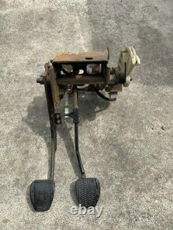 96 97 98 99 00 01 02 03 04 Ford Mustang 5 Speed Manual Pedal Box Assembly