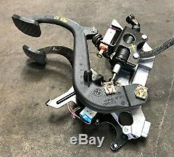 99-03 Bmw E39 M5 540 Manual Clutch Brake Pedal Box Assembly