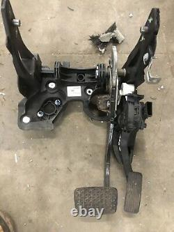 Astra J Automatic pedal box assembly 13303963 13252704