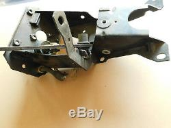 BMW E28 528i 535i Clutch Pedal Lever with Pedal Box A Parts 1152018, 1151375