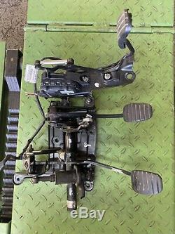 Clutch brake pedal box vauxhall vivaro Traffic primastar 01-14 van pedals cage