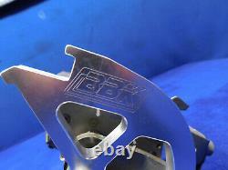 03 04 Ford Mustang Mach 1 Frein Manuel À Gaz Embrayage De Pédales Mortes Boîte Oem Utilisé T18