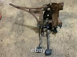 79-93 Mustang Clutch & Brake Pedal Assembly Box + Supports 5 Conversion De Vitesse