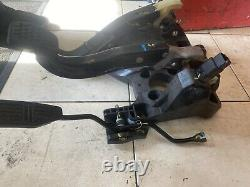 Chevrolet Spark 2011 Pedal Set Throttle Pedal Clutch Pedal Coffret De Pédales