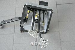 Ferrari 550 Maranello Bremspedal Kupplung Pedalgestell Pedal Support Box Embrayage