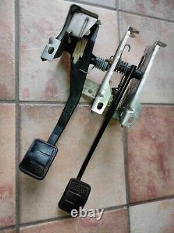 Volvo 740 Manual Transmission Cable Clutch & Brake Pedal Box Non Turbo M46 M47
